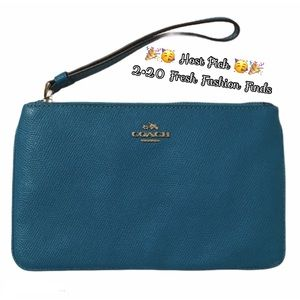SOLDⓂ️🎉HP🥳Coach | Turquoise Wristlet Wallet NWOT